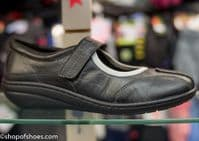 TLK footsoft soft leather bar shoe. soft leather with cushioned cuff and easy on Velcro touch fastening.This shoe has everything a good comfortable shoe should have and with an easy style.  Available online or from our shop in Whitchurch Hampshire RG287HD positioned easily between Newbury and Winchester off the A34 and between Basingstoke and Andover right on the border of North Hampshire and Berkshire.